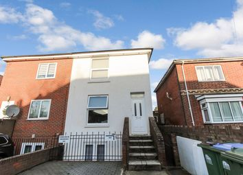 2 bed flat for sale in Park Road, Freemantle, Southampton SO15