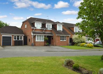 Thumbnail 4 bed detached house for sale in Walnut Close, Stoke Mandeville, Aylesbury