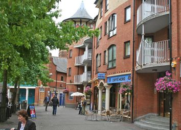 Thumbnail 1 bedroom flat to rent in Gloucester Green, Oxford