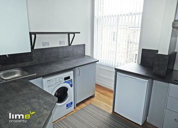 Thumbnail 1 bed flat to rent in Hessle Road, Hull, East Yorkshire