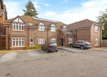 Thumbnail 2 bed flat for sale in Himley Lodge, Newbury