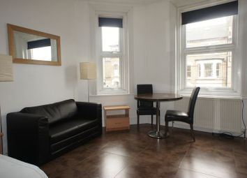 Thumbnail Studio to rent in Battersea Rise, London