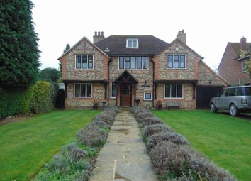 Thumbnail 4 bed detached house to rent in Canons Hill, Old Coulsdon, Coulsdon