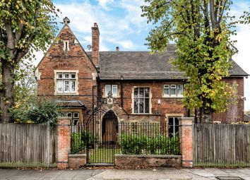 Thumbnail 7 bed detached house for sale in Vicarage Road, East Sheen, London