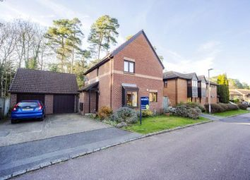 St. Andrews Close, Crowthorne, Berkshire RG45. 3 bed detached house