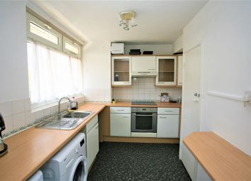 Thumbnail 4 bed flat to rent in Wandsworth Road, London