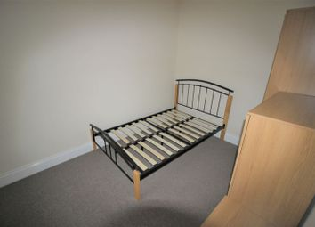 Thumbnail Room to rent in Double Room To Rent, All Bills Included, Fully Furnished