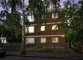 Heathcote Grove, Chingford, London E4. 2 bed flat
