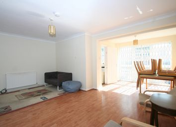 5 bed town house to rent in Somerset Road, London NW4