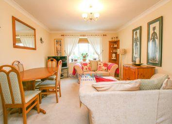 Thumbnail 2 bedroom flat for sale in Missenden Gardens, Taplow, Maidenhead