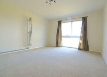 Thumbnail 2 bedroom flat to rent in Applecroft Road, Welwyn Garden City