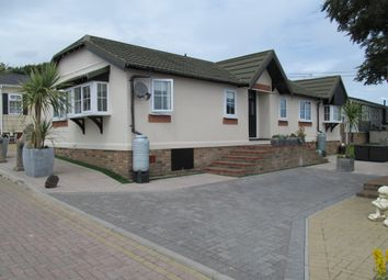Thumbnail 3 bedroom mobile/park home for sale in Pilgrims Retreat (Ref 5363), Harrietsham, Maidstone, Kent