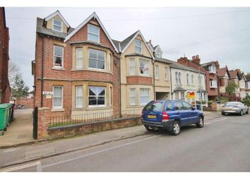 Thumbnail 2 bed flat to rent in Fairacres Road, Oxford
