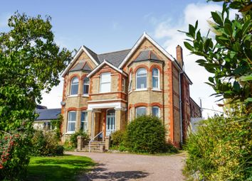 57 Salterton Road, Exmouth EX8. 3 bed flat