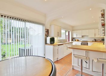 Thumbnail 4 bed property to rent in Pembridge Avenue, Twickenham