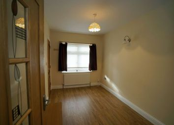 Thumbnail 1 bedroom flat to rent in 1 Bed Flat, Campbell Avenue, Ilford