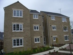 Thumbnail 2 bed flat to rent in Woodview, Huddersfield