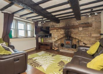 Thumbnail 3 bed cottage to rent in Moorside Road, Bradford