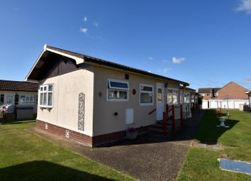 Thumbnail 1 bedroom mobile/park home for sale in Castle Hill Park, London Road, Clacton-On-Sea