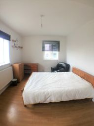 Thumbnail Room to rent in Benjonson Road, London