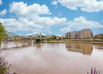 Thumbnail 1 bed flat for sale in Queens Wharf, London