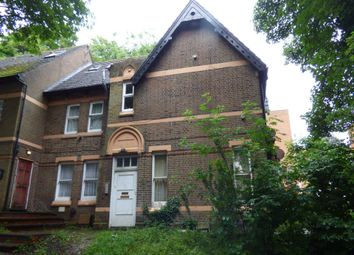 Thumbnail 1 bed flat for sale in Hyde House, Cresent Rise, Luton