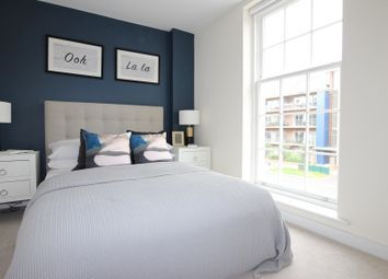 Thumbnail 1 bed flat to rent in New Zealand Avenue, Walton-On-Thames