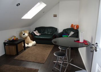 Thumbnail 1 bed flat to rent in Gardenia Avenue, Luton