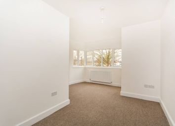Thumbnail 2 bed flat for sale in Woodside Green, Croydon