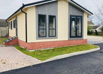 2 bed mobile/park home for sale in Oak Drive, Woodland Park, Waunarlwydd, Swansea SA5
