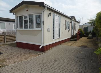 Thumbnail 2 bed mobile/park home for sale in Kay Avenue, Meadowlands, Addlestone