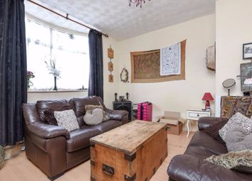 Thumbnail 1 bed flat to rent in Raleigh Road, Feltham