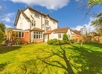 Thumbnail 2 bed flat to rent in Highfield Road, West Byfleet, Surrey