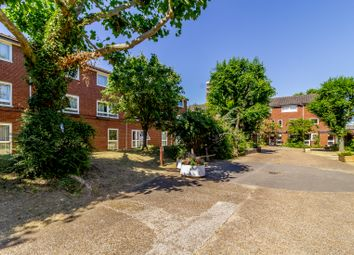 2 bed maisonette for sale in Regent Square, London E3