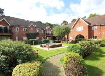Thumbnail 3 bed flat to rent in The Callenders, Bushey
