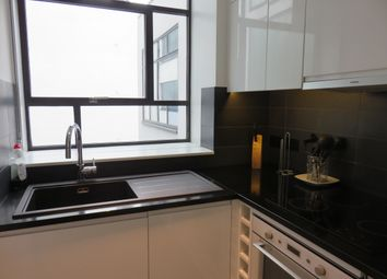 Thumbnail 1 bed flat to rent in Sale Place, London