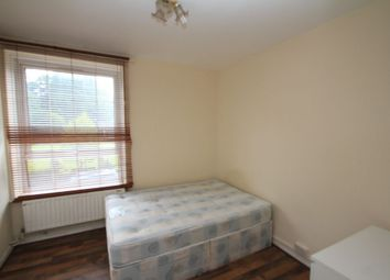 Thumbnail Room to rent in 9 Willis House, Hale Street, Poplar