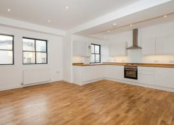 2 bed flat for sale in Whyteleafe Hill, Warlingham CR3