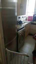 Thumbnail Room to rent in York Road, Clapham Junction, London
