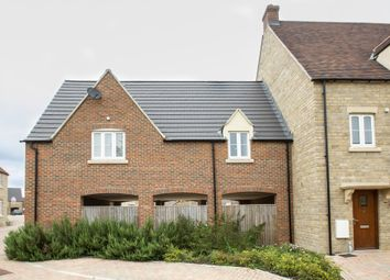 Thumbnail 2 bed flat to rent in Willowbank, Witney