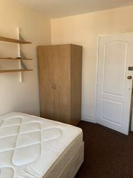 Thumbnail Room to rent in Globe Road, Bethnal Green