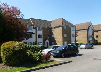 2 bed flat to rent in Elm Park Road, Pinner HA5
