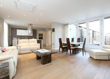 Thumbnail 3 bed flat to rent in Palace Place, London