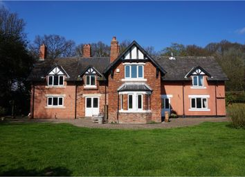 Thumbnail 5 bed detached house to rent in Great North Road, Doncaster