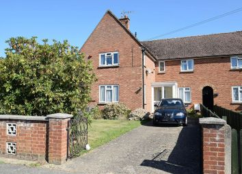 Thumbnail 2 bed flat for sale in Leachcroft, Chalfont St. Peter, Gerrards Cross