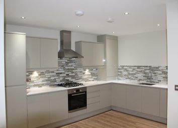 Thumbnail 1 bed flat to rent in Stainforth Road, London