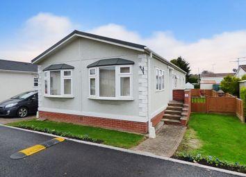 Thumbnail 2 bed mobile/park home for sale in Arundel Drive, Thornlea Park, Wick, Littlehampton