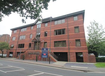 Hazelwick Avenue, Crawley RH10. 1 bed flat