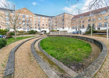 2 bed flat for sale in The Dell, Southampton, Hampshire SO15