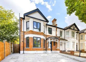 High Road, East Finchley, London N2. 1 bed flat